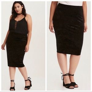 TORRID | Crushed Velvet Black Midi Skirt Plus 4X